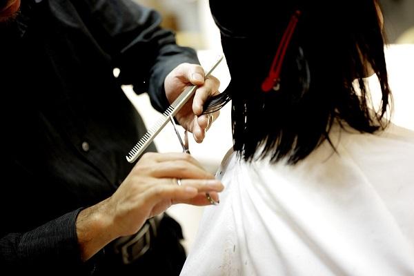 開業したけれど…美容師が頭を抱える「労働力不足」を解消するためには?