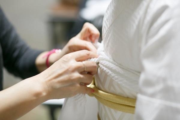美容師は卒業式の着付けの資格があれば幅広いメニューを提供できる